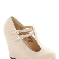 ModCloth Minimal Book Tour de Force Wedge in Cream
