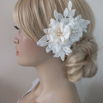 Bridal lace floral haircomb ivory lace Hairpiece Ivory Beaded lace floral wedding hair piece bride hair comb
