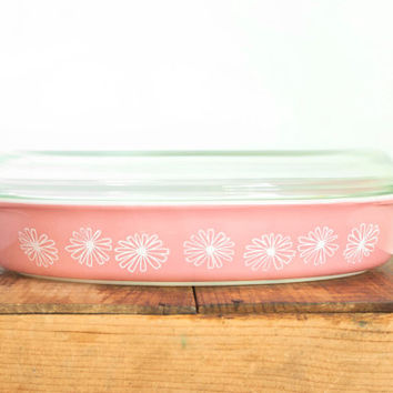 Vintage Pyrex Pink Daisy Oval Dish, Shallow Open Baker Roasting Serving Dish with BONUS Lid, 1 1/2 Quarts