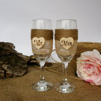 Wedding Glasses Champagne Glasses  Flutes Toasting burlap Glasses Rustic Wedding Champagne Bride and Groom Glasses Wedding reception
