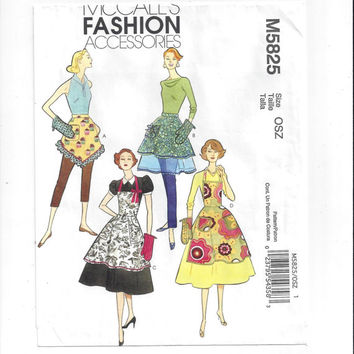 McCall's 5825 Pattern for Misses' Set of 4 Aprons & Oven Mitt, From 2009, FACTORY FOLDED, UNCUT, Retro Apron Look, Home Sewing Pattern