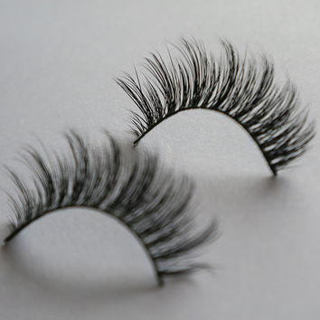 New 1 pair huda beauty  fake eye lashes 100% real Handmade crossing mink eyelashes A5 strip thick lashes