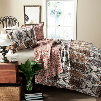 Lush Decor C21873P14-000 Nora Gold Three-Piece King Quilt Set - (In No Image Available)