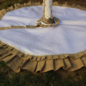 Rustic  Tree Skirt White Tree Skirt  Quilted Tree Skirt Ruffled Tree Skirt Handmade Tree Skirt EXPRESS SHIPPINg Via UPS