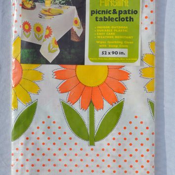 Vintage Funshine Floral Picnic and Patio Tablecloth Floral Retro Sunflowers Polkadot