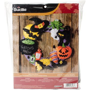 "Witch's Brew Bucilla Felt Wreath Applique Kit 17"" Round"