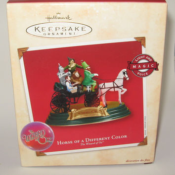 Hallmark Ornament Wizard of Oz Horse of a Different Color 2002