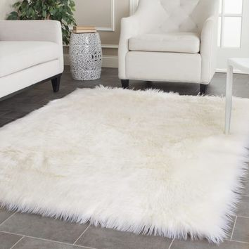 Safavieh Handmade Faux Sheepskin Ivory Japanese Acrylic Rug (5' x 8') | Overstock.com Shopping - The Best Deals on 5x8 - 6x9 Rugs