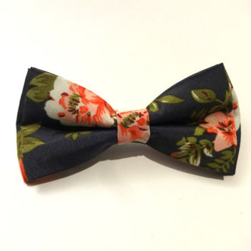 Floral Bow Tie with Grey Background and Pink, White and Green Flower Pattern, Wedding Bow Tie, Man Bow Tie, Mens Bow Tie