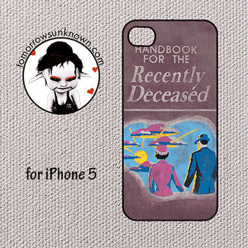 iPhone 5 Case Phone Cover (i5-20093) Beetlejuice handbook for the recently deceased