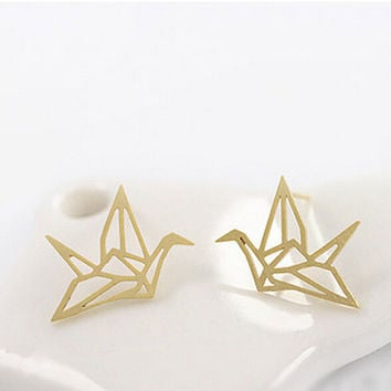 Cute Origami Crane Stud Earrings Lovely Hollowed Ear Studs Chic Birds Earrings Korean Pendientes Women Jewelry SM6