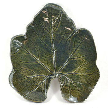 Handmade Ceramic Platter Green Serving Plate Clay Shallow Dish Pumpkin Leaf Plate Unique Pottery Home Decor Also available in black brown