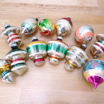 Vintage Shiny Brite / Christmas Ornaments / Spinning Tops UFO / 40s Ornaments / Hand Painted Glass / Christmas Decor / Mod Ornament