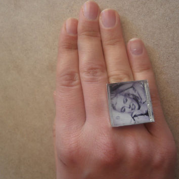 Marilyn Monroe Resin Ring by litsakiv on Etsy