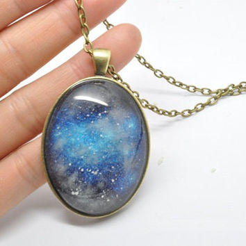 The galaxy necklace glow in the dark after UV absorption necklace oval noctilucent necklace friendship love gifts unique lovers gifts