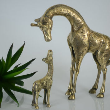 Vintage Brass Giraffes Figurine/Brass Figurines/Mother and baby Giraffe Figurines/Brass African Animal Statues/Nursery Decor