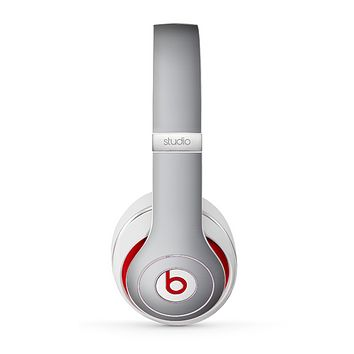The Chrome Reflective Skin for the Beats by Dre Studio (2013+ Version) Headphones