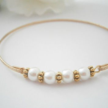 Pearl Bangle Bracelet - White Pearl Bangles - Simple Gold Bracelets - Wedding Jewellery - Bridal Jewelry - Bridesmaid Gifts - Birthday Gift