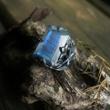 Labradorite ring, spectrolite ring, gemstone ring, leaf ring, vine ring, boho rings, oxidized silver ring, gypsy rings, filigree ring