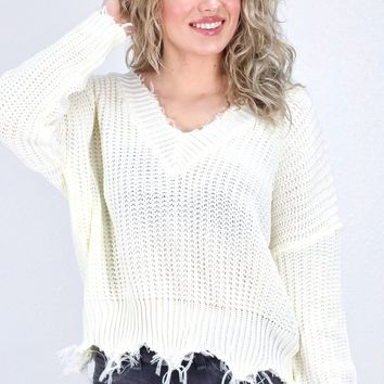 Frayed Hem Cropped V-neck Sweater {Off White}