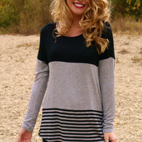 Lake Day Top: Grey/Black
