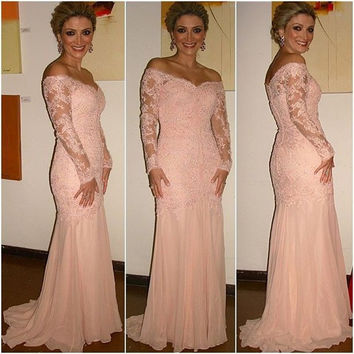 Sexy Design Off the Shoulder V Neck Pink Lace Applique Long Sleeves Mermaid Prom Dresses 2016 For Special Occasion