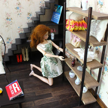 1/6 scale Miniature Rustic Bookshelf for dolls (Blythe, Barbie, BJD, Pullip, Obitsu, Momoko). Urban industrial style