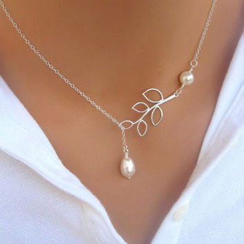 Ms leaf shape fashion and personality necklace new imitation pearls Water droplets cross collarbone chain jewelry gifts