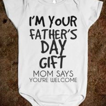 Father's Day Onesuit, first fathers day, daddy and me, baby Onesuit, fathers day present, new baby, infant Onesuit, new dad, daddy, love daddy