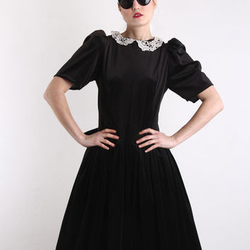 Vintage Black Velvet Dress . Party Gown . Lace Peter by VeraVague