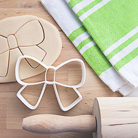 Bow Cookie Cutter With Built-In Handle Design (3D printed)