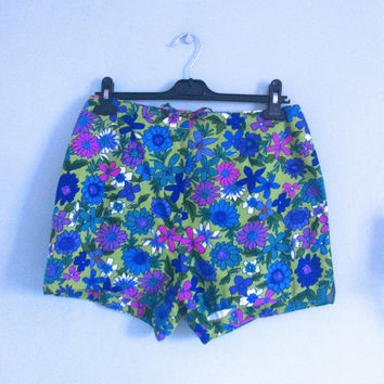 1960's Bright Floral Print Pattern High Waist Hot Pants Shorts Mod Go Go Grunge
