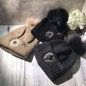 DCCK6HW Chrome Hearts' Autumn Winter Cool Fashion All-match  Embroidery Hairball Knit Hat Women Warm Hat