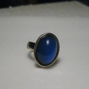 Vintage 1970's Mood Ring, Oval, Adjustable Sz. 7-9, Gold Tone