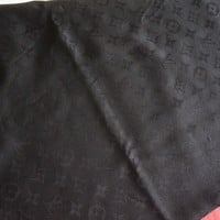 100% authentic Louis Vuitton monogram Shawl in black