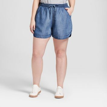 Women's Plus Size Pull-On Shorts - Universal Thread™ Light Wash