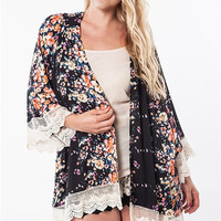 Floral Print Kimono with Crochet Trim Plus Size (XL-2XL)