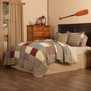 Rustic Plaid Patch Queen Quilt Set