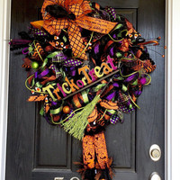 Halloween deco mesh wreath, Halloween mesh wreath, Witch wreath, Witches hat, Witch boots wreath, front door wreath, fall wreath