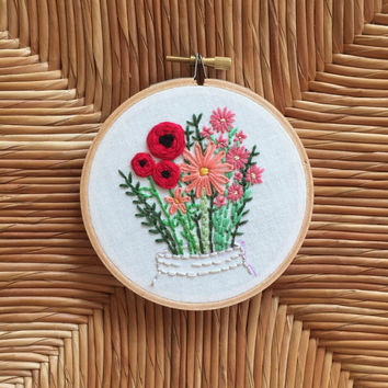 Mason Jar Bouquet Floral Embroidery Hoop. Bouquet of Flowers Hoop Art. Cotton Anniversary. Embroidery Wall Art. Home Wall Art. Wall Hanging