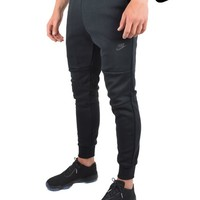 NIKETECH FLEECE SWEATPANTS - BLACK