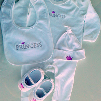BABY GIFT set Prince/Princess Includes an embroidered romper,a bib, a hat and shoes age 6-12months