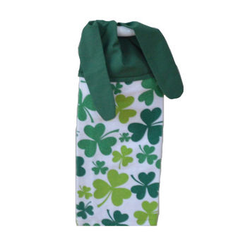 Shamrock Dish Towel, Irish Kitchen Towel, Irish Decor, Shamrock Towel, Shamrock Decor, Gift for Her, Tea Towel, Tie On Towel, Hanging Towel