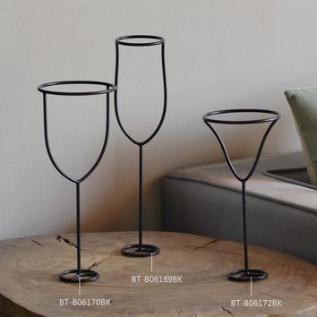 Free Shipping  Home Decor Wine Bottle Metal Sculpture Creative Design Home Ornament Simple Iron Wire Statues for Home Furnishing