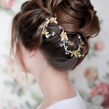 Bridal Floral Decorative Headpiece
