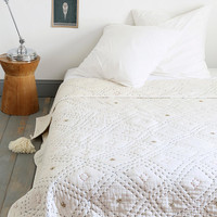 Diamond Stitch Quilt - Urban Outfitters