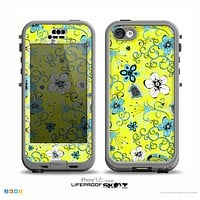 The Blue and White Floral Laced Pattern On Yellow Skin for the iPhone 5c nüüd LifeProof Case