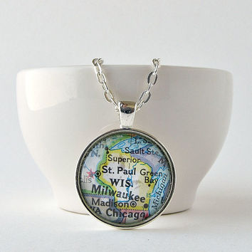 Wisconsin Map Necklace / Wisconsin Home / Christmas Gift for Her / Gifts under 25 / Gifts for Mom / Gift for College Student / Small Gifts