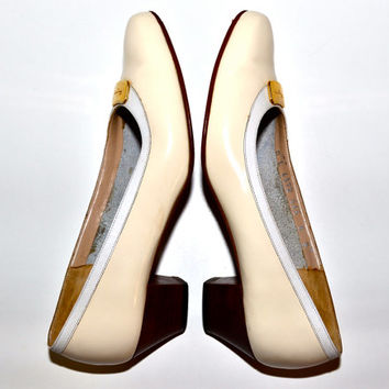 Make an Offer SALVATORE FERRAGAMO 1980s Ivory Patent Leather PUMPS Heels Shoes Ladies sz 8 Made in Italy Like Gucci and Christian Louboutin