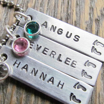 Necklace NEW MOM Baby Feet THREE 3 Tag Hand Stamped Birthstone Jewelry Charm Aluminum Personalized Stainless Steel Chain Name Birthdate